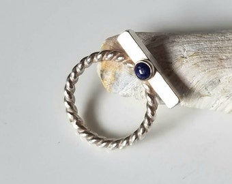 Twisted sterling silver and lapis lazuli omega ring, size 7