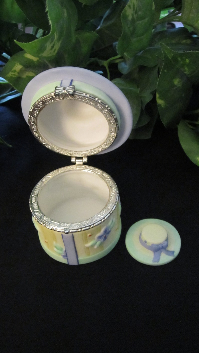 Mother/'s Day gift for her teen vintage tween trinket box hat box ring box Pflaltzgraff Hat Trinket Box