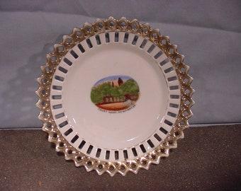 Lovely Souvenir Plate Court House Newport KY  Double Lattice Rim gold Edged,