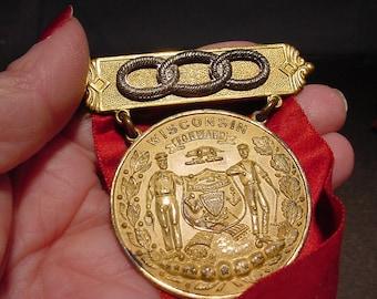 ODD FELLOWS PinBack Metal Badge w/ Ribbon Grand Lodge of Wisconsin