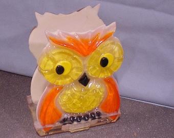 Vintage FUNKY Owl Napkin Holder Mid-Century Modern Lucite Plastic Delightful!