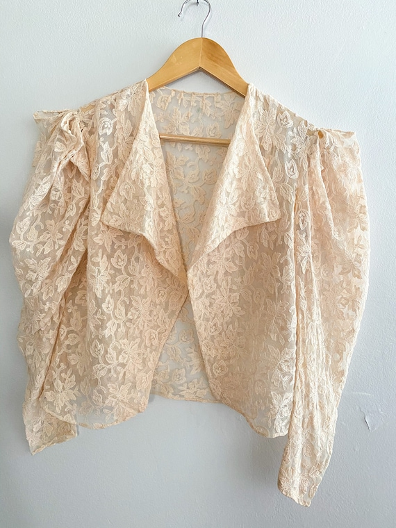 1940's Vintage Peaches and Cream French Lace Boler