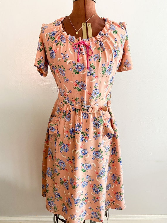 Late 30s/ early 40s Pink Rayon Floral Day dress