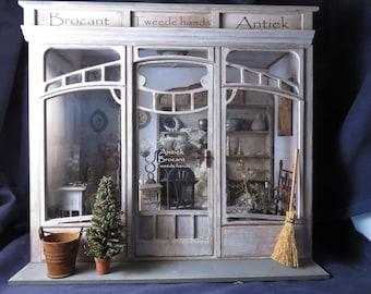 Dollhouse miniature roombox kit 1/12 one scale in Art Deco, Art nouveau.
