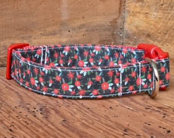 Christmas Dog Collar - Black with Red Flowers and Green Holly