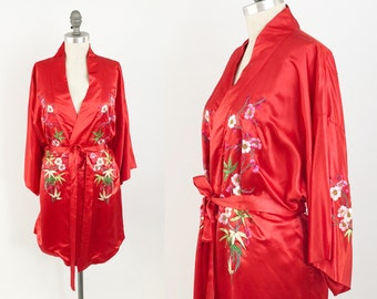 ca00e555d4 Vintage Embroidered Silk Robe Jacket - Stunning Red GOLDEN BEE Floral Dressing  Gown Robe w  Kimono Sleeves - Bohemian Ethnic Festival Dress