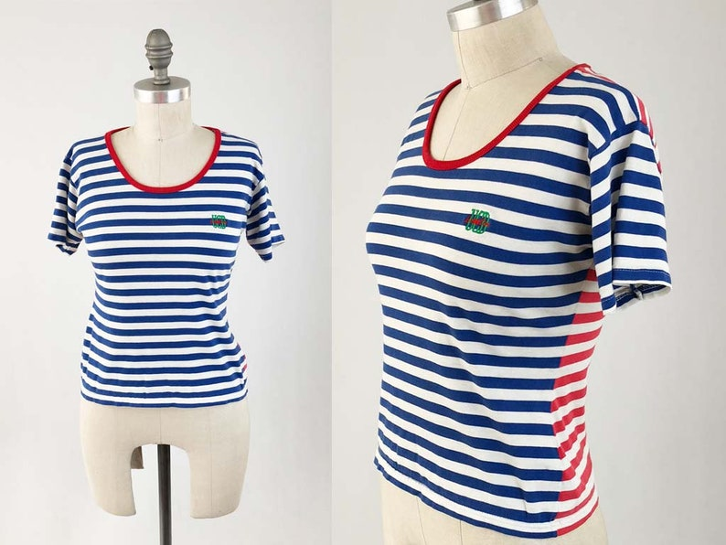 6261bb40e27 Vintage BENETTON Tee Shirt Womens 80s 90s Short Sleeve Red