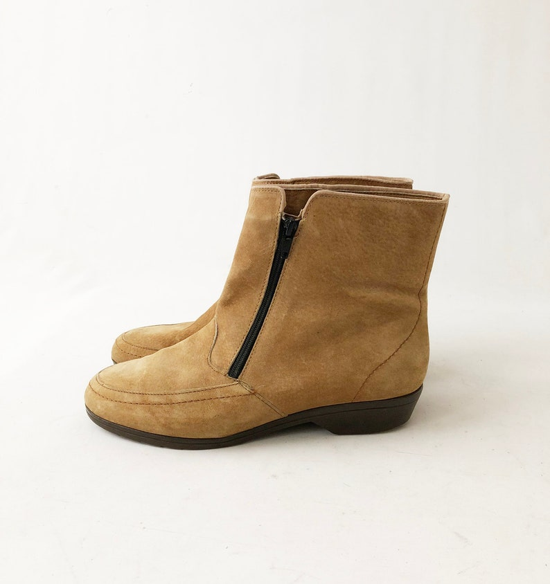 9ba1200d0b29f Vintage 80s Suede Ankle Boots - Zip Up Tan Brown Minimalist Granny Booties  - Faux Sherpa Lined Hush Puppies - Womens Size 8.5 B