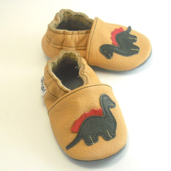 slippers dinosaurs tan 18-24 m US 7-8 soft sole baby walking shoes