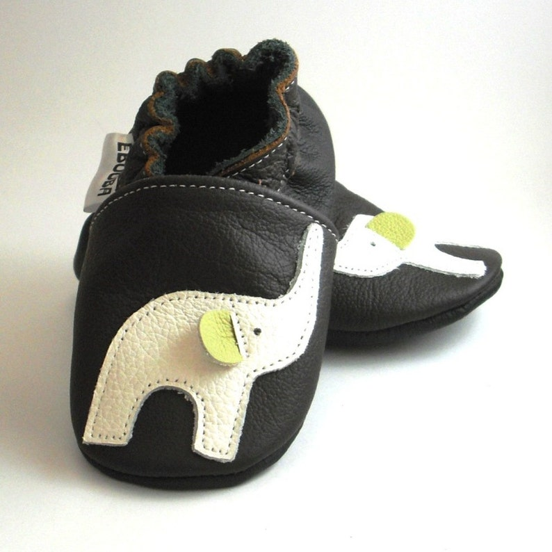 56c32e264c1b9 Elephant Baby Shoes, Baby Mocasins, Soft Sole Baby Shoes, Genuine Leather,  Handmade Gift, Chaussons fille cuir, Krabbelschuhe, Ebooba