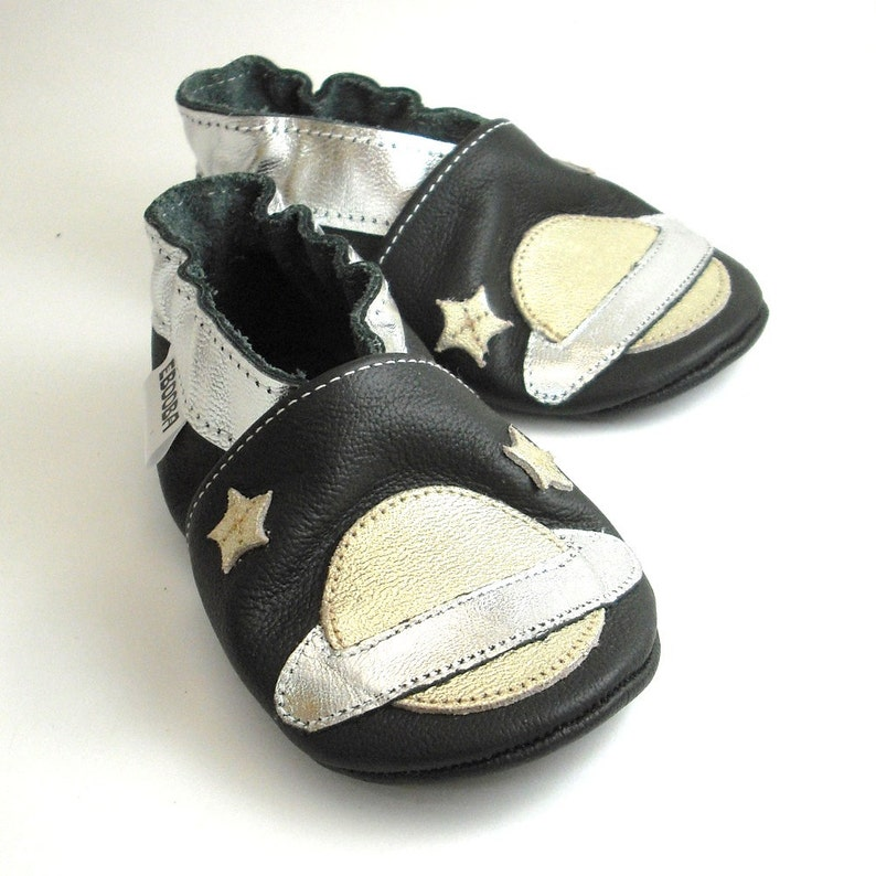 846e8868809ef Saturn Slippers, Soft sole baby shoes, 0-6 Months Infant Booties, Space  silver black Shoes, Krabbelschuhe, Lederpuschen, chaussurese garcon