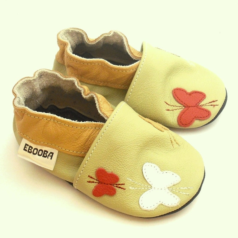 149f4ccf48298 soft sole baby shoes handmade gift butterfly olive white red 6-12m bebes  fille cuir souple chaussons Krabbelschuhe porter ebooba BF-31-O-M-2