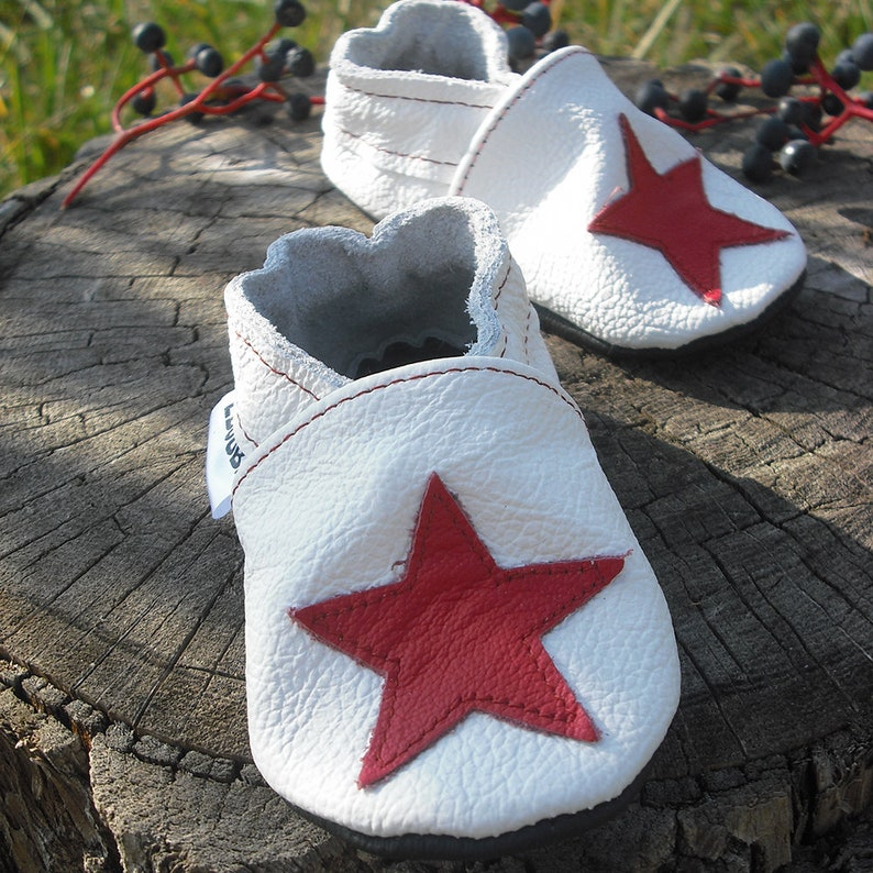 af4d9994dc9e3 White Baby Shoes Soft Sole, Red Star Baby Slippers, Infant Shoes, Boys,  Baby Girl Moccasins, Bébé fille chaussons, Lederpuschen, 6
