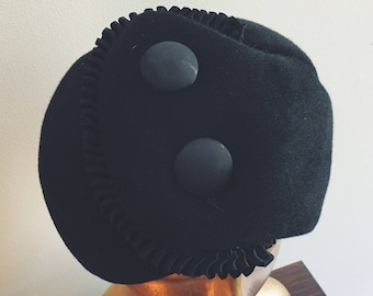 1960s black wool Schiaparelli hat