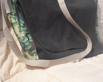 Gecko Camo Messenger Laptop Bag