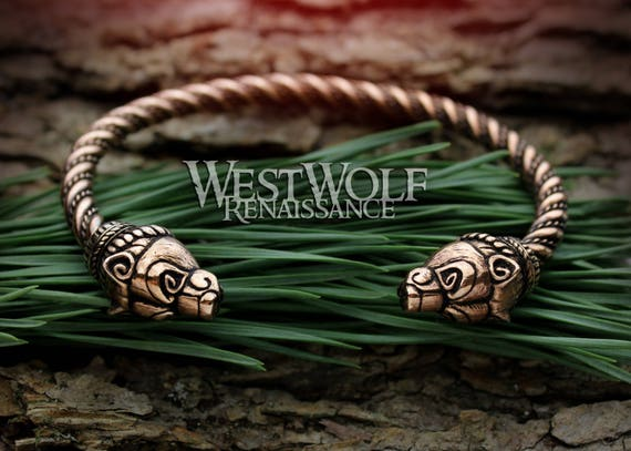 Handmade pewter pendant Skyrim Dragon Power and magic of Words