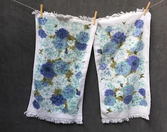 60's Fieldcrest Royal Velvet // x2 Floral Hand Towels