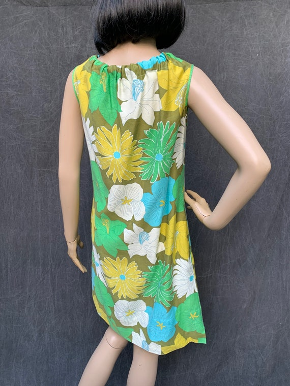 60s Dress Mod Shift Sleeveless Flowers Greens, Tu… - image 7