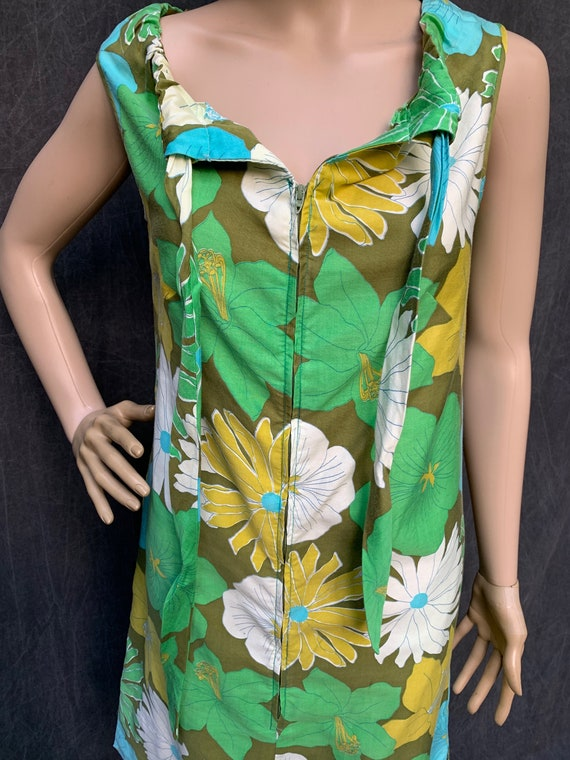 60s Dress Mod Shift Sleeveless Flowers Greens, Tu… - image 4