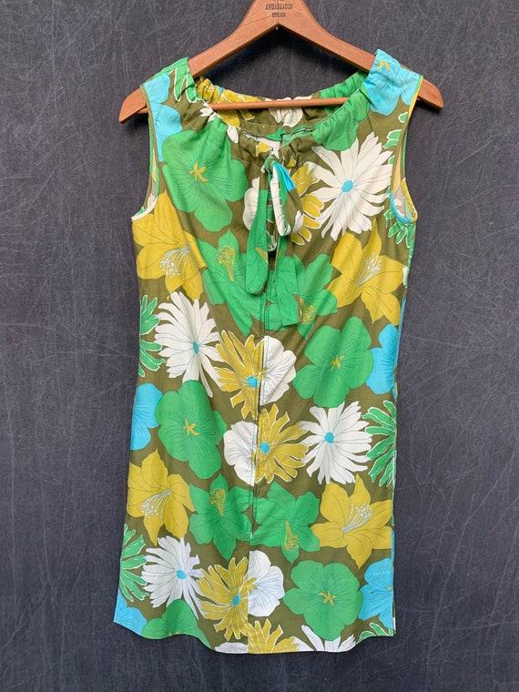 60s Dress Mod Shift Sleeveless Flowers Greens, Tu… - image 8