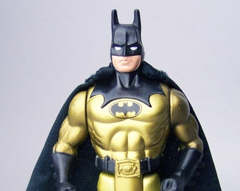 1990 Batman Tec-Shield Batman with Cape C85 Near Mint