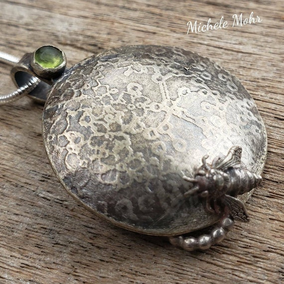 "Busy Bee Sterling Siver and Peridot Pendant 18"" Necklace."