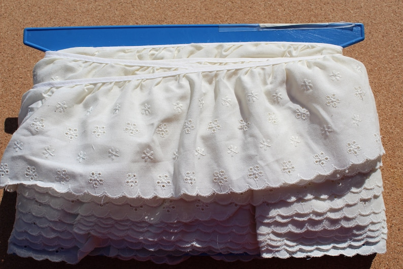 "3-1//2/"" Cotton Embroidered Eyelet Lace Trim for Garment and Decoration by 4 yards"