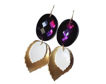 Golden leaf earrings. Cobochon earrings. Wedding earrings. Bridal earrings. Bridesmaid gifts. Bridal shower gifts. Woodland earrings.