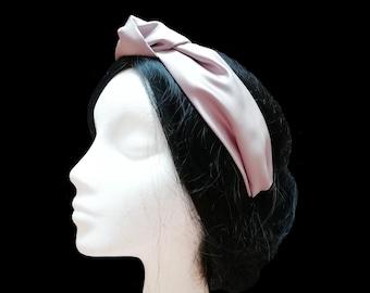 Pale pink turban headband. Knot headband. Satin headband. Fabric headband. Turban women. Top knot headband. Women headband.