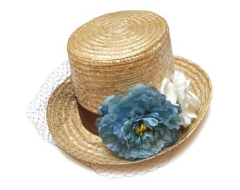Kentucky derby top hat. Straw top hat. Flower top hat. Raffia hat. Spring hat. Summer hat. Wedding hat. Bridal hat. Flower fascinator.