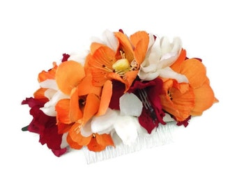 Bridal flower hair comb. Wedding flower comb. Bridal accessories. Bridesmaid comb. Boho flower comb. Floral comb. Wedding accessories.