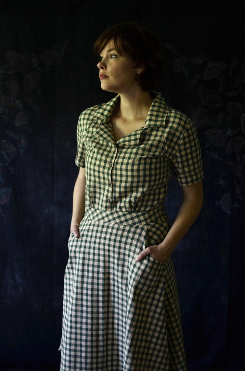 1930's Dress / Vintage Dress / Retro Dress / 1940's image 0