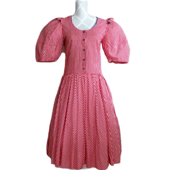 Vintage 80s does victorian prairie red and white s