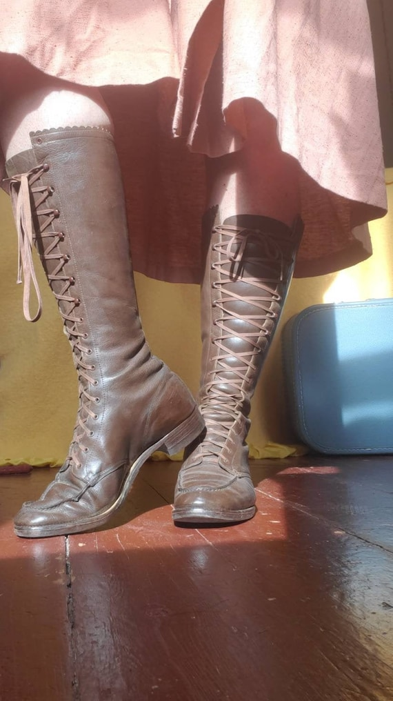 Vintage 1920s 1930s lace up leather boots