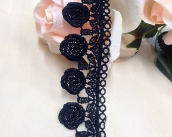 Item: A0365, 2 Yard Lot , 1.5 Inch Venise Lace Trim, Circle Swirl and Round Scallops FREE Shipping