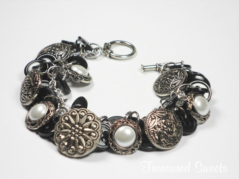 Gifts for Quilters Button Charm Bracelet Black Button Bracelet Button Jewely