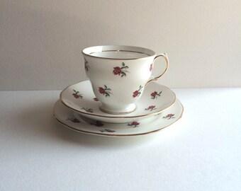 Colclough rosebud 1950s teacup trio