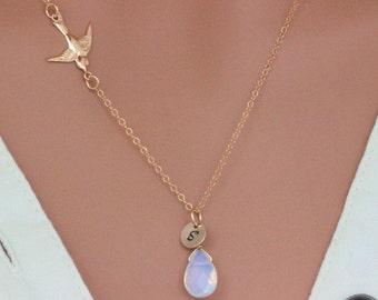Bird Necklace , Bird Necklace Gold / Silver, Tiny Sparrow Bird Pendant Charm Necklace for everyday, bridal jeweley, wedding, bridesmaid gift