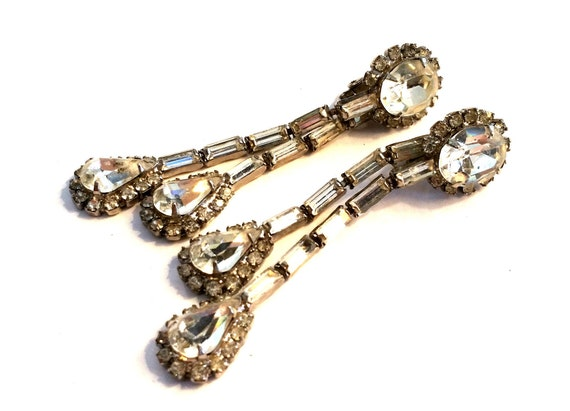 Vintage Kramer Diamond Rhinestone Dangle Clip On E