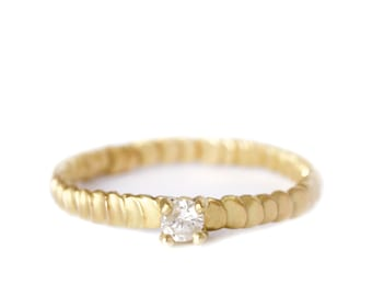 Diamond gold ring Frieda style -textured with granulation band