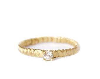 Diamond gold ring Frieda style