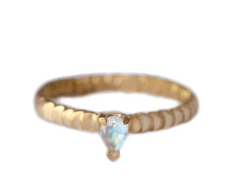 Size 5 1/2 moonstone gold ring - Frieda style - scale texture