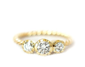 Trilogy ring  conflict free diamond in 18ct yellow gold  vintage Adel's style
