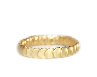 Frieda's style ring - large model in 18ct gold