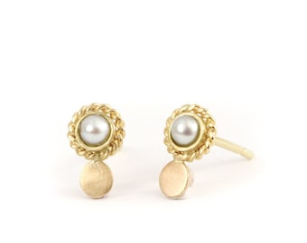 Mini gold earring - Mini luna stud pearl earring - antic inspiration - 18 ct rose gold - yellow gold