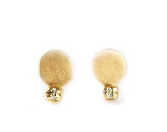 Stud earrings with diamond - Mini luna - 18ct yellow gold - april birthstone