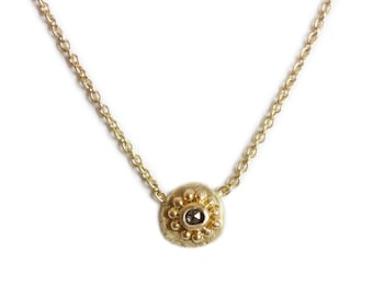 Gold necklace medal with granulation and rose cut diamond