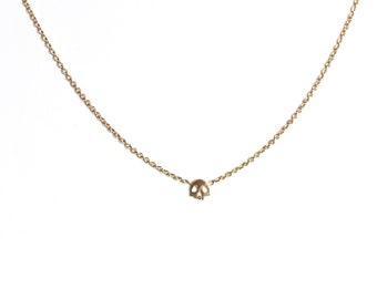 Skull necklace memento mori style 18ct gold