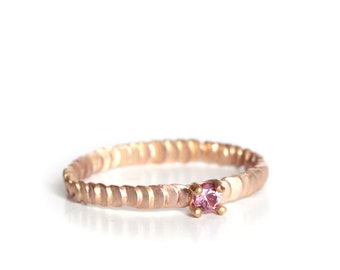 Size 7 - Pink sapphire mat gold ring Frieda style - textured with granulation band - One off piece