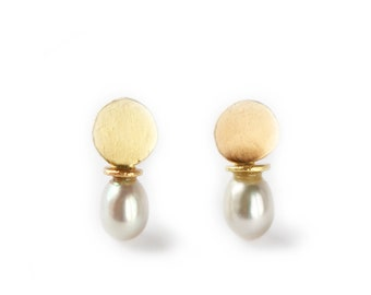 Recycled gold stud earring - rose and yellow gold - mini gold earring - Mini luna collection - pearl earring - antic inspiration - 18 ct